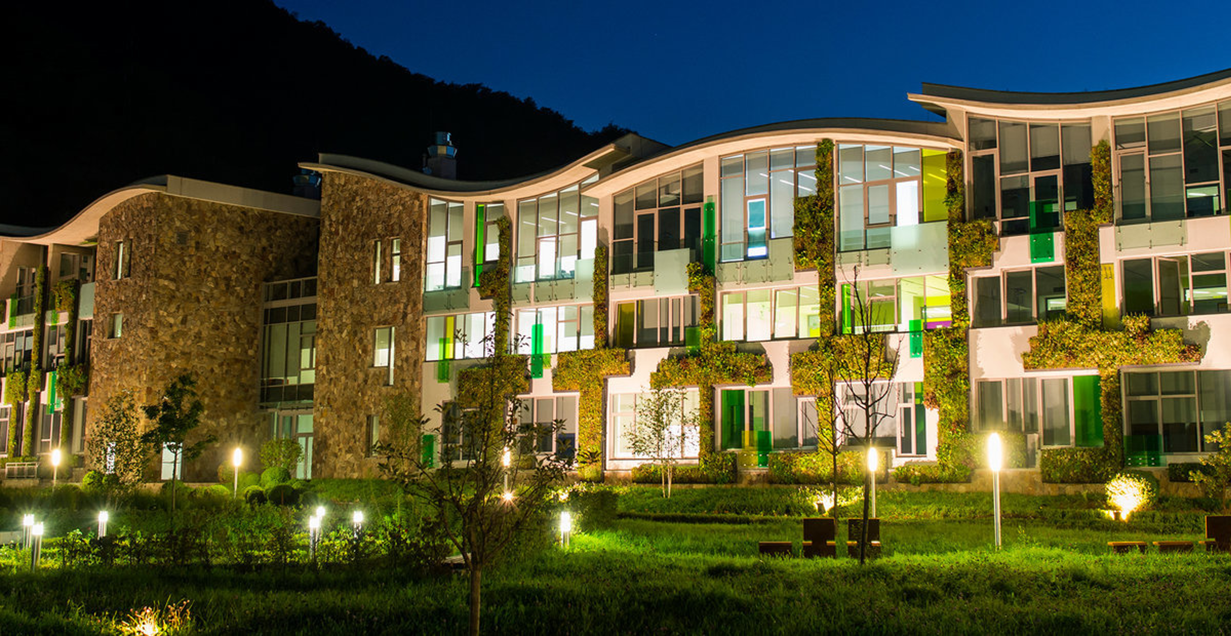 Dilijan International School